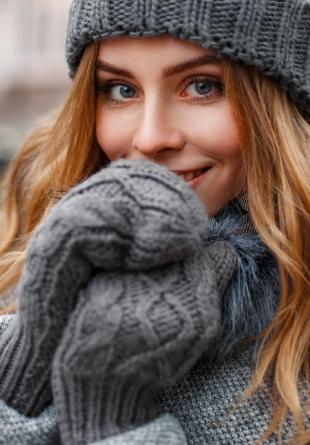 Trucuri simple ca să te încălzești când stai în frig